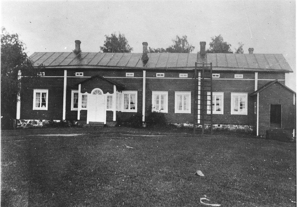 Huttulan pappila vuodelta 1915. Valokuvakopio Juvan kotiseutuarkisto.